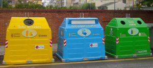 Contenedores amarillo, verde y azul de reciclado